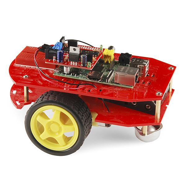 دارة التحكم بالروبوت (لاحظ الدارة الحمراء فوق الرازبيري)